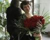 50 червени рози за Директора
